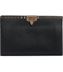 valentino garavani large rockstud leather pouch -