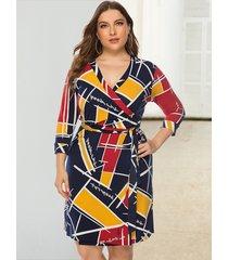 vestido geométrico de diseño de cinturón multicolor de talla grande