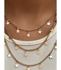 collar multicapa con colgante de estrella dorada