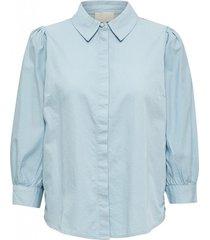 tila shirt