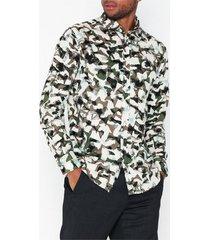 selected homme slhslimbryson-camo shirt ls aop w skjortor mörk grön
