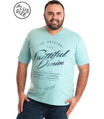camiseta decote v konciny plus size azul
