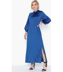 closet midi sleeve satin dress festklänningar
