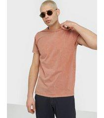 neuw band tee t-shirts & linnen pink