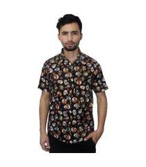 camisa estampada camaleão urbano caveiras florida preta