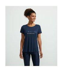 camiseta esportiva alongada com recortes vazados nas costas estampa frase | get over | azul | m