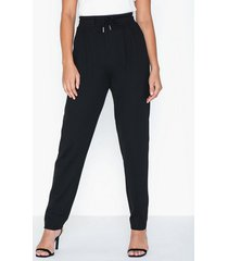 nly trend tailored joggers byxor