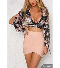 sexy escote en v con estampado floral al azar top corto con lazo y dobladillo irregular mini falda de conjunto