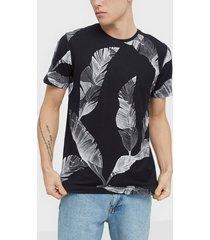selected homme slhtony aop ss o-neck tee b t-shirts & linnen svart