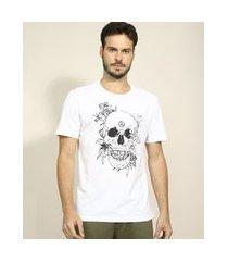 camiseta masculina caveira floral manga curta gola careca branca
