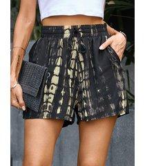 yoins shorts negros con bolsillos laterales con efecto tie dye