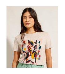 camiseta canelada pássaros e cajus manga curta decote redondo bege