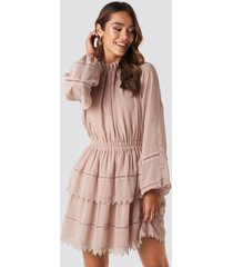 na-kd boho embroidery mini dress - pink