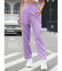 pantalones con detalle de hebilla lateral con bolsillos laterales yoins