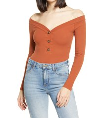 women's lulus lilyth off the shoulder ribbed bodysuit, size x-large - brown