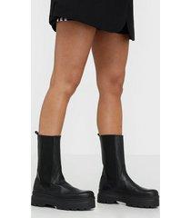 pavement aya flat boots
