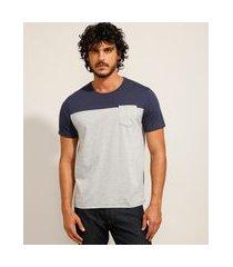 camiseta masculina básica com recorte e bolso manga curta gola careca azul marinho