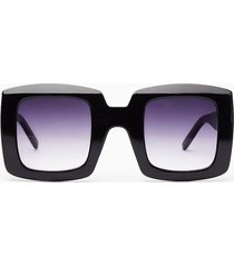 womens caught in the act thick square sunglasses - black