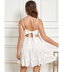 mini vestido inserto de encaje con cuello en v sin espalda diseño de amarre sin mangas blanco