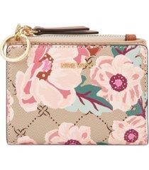 nine west clare small zip wallet