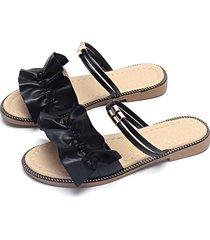 negro liso diseño plano sandalias