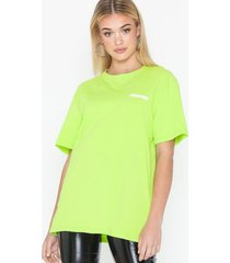 the classy issue ace tee t-shirts green