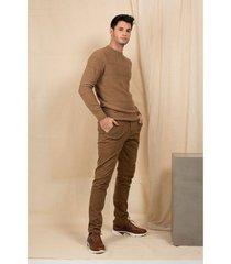 pantalón chino semifitted