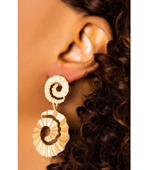 akira life of the party dangle earring