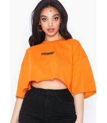 missguided drop shoulder crop t-shirt t-shirts
