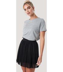 na-kd mini pleated skirt - black