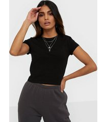 nly trend perfect cropped tee t-shirts svart