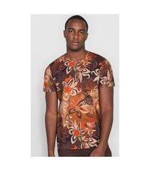 camiseta colcci floral marrom
