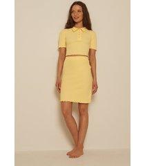 na-kd ekologisk babylock ribbstickad kjol - yellow