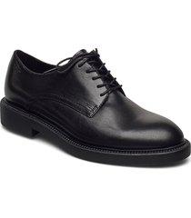 alex w snörade skor låga svart vagabond