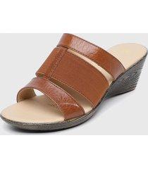 sandalia marrón carducci