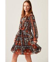 lekka, krótka sukienka w orientalne wzory