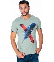 camiseta verde pluma x para hombre