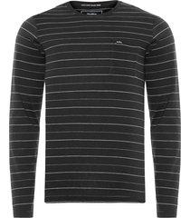 t-shirt masculina tinturada fio tinto - preto
