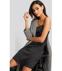 na-kd party back strap detail satin dress - black