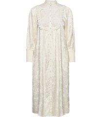 jacquard lace shift dress maxi dress galajurk crème by ti mo