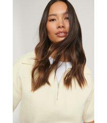 na-kd trend tröja med dragkedja - white