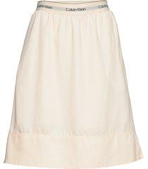 washed tencel elasti knälång kjol creme calvin klein