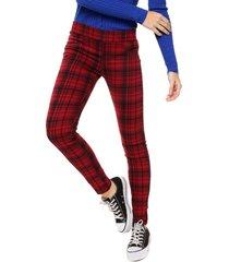 pantalón rojo laila tisiana