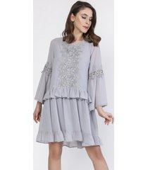 sukienka szyfonowa z dzwonkowymi rękawami