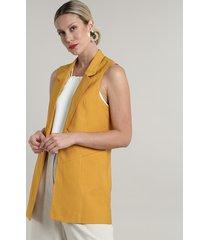 colete feminino longo com bolsos mostarda