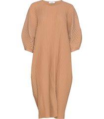 isadora dress jurk knielengte beige stylein