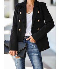 botón diseño abrigo con cuello de solapa