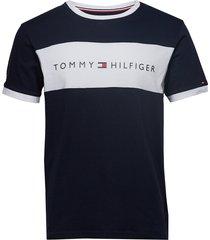 cn ss tee logo flag t-shirts short-sleeved blå tommy hilfiger