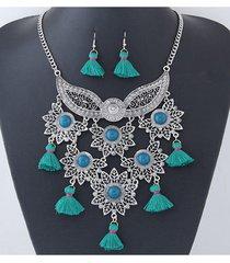 collar plateado flecos verdes sasmon cl-13060