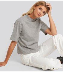 na-kd basic high neck short sleeve t-shirt - grey